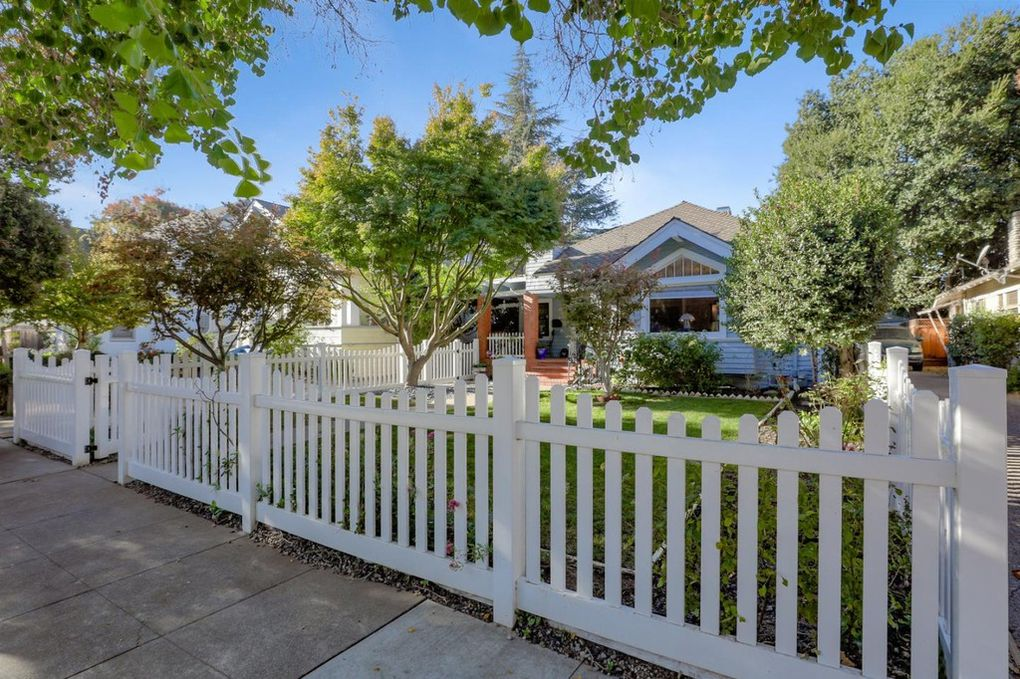 Vinyl Picket Fence - Fremont CA